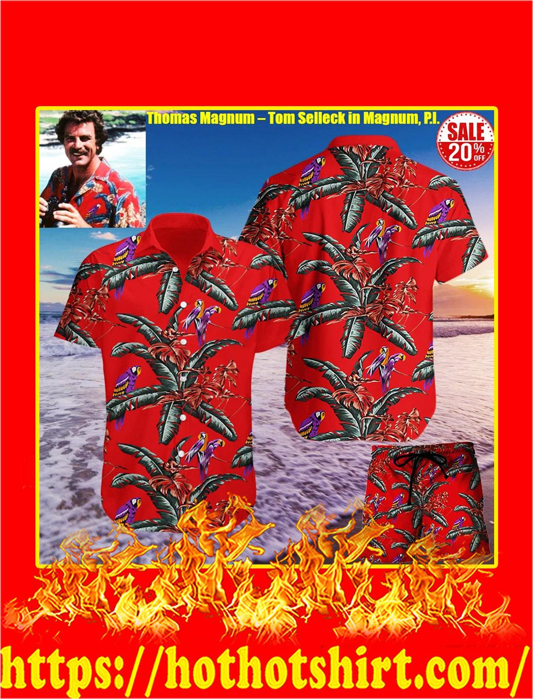 Tom Selleck in Magnum hawaiian shirt - pic 1